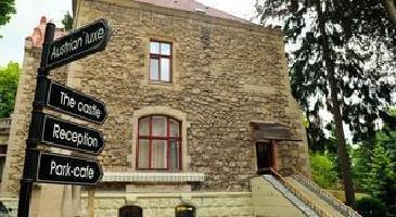 Hotel Lion's Castle