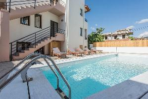 Niriedes Dionyssos Village Hotel