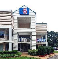 Hotel Motel 6 Raleigh North