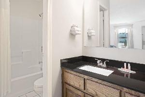 Hotel Baymont Inn And Suites Brunswick Ga