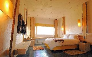 Remota Hotel