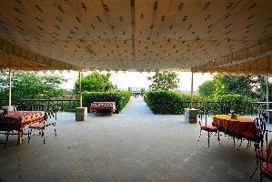 Hotel Umaid Lake Palace - An Organic Retreat