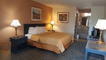 Hotel Executive Inn & Suites