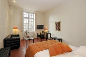 Hotel Cloitre Saint Louis