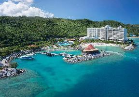 Hotel Renaissance Okinawa Resort