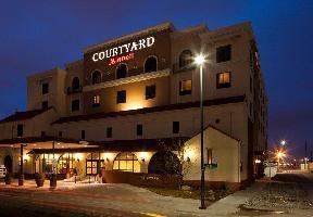 Hotel Courtyard Wichita At Old Town