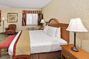 Hotel Baymont By Wyndham Indianapolis