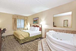 Hotel Baymont By Wyndham Louisville Airport South