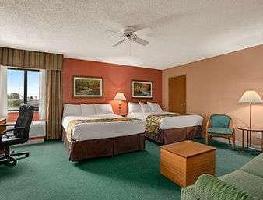 Hotel Baymont By Wyndham Sullivan