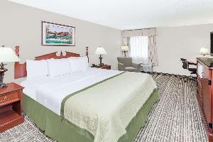 Hotel Baymont By Wyndham Elkhart