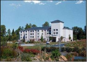 Hotel Baymont By Wyndham, Mooresville
