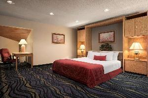 Hotel Baymont By Wyndham Logan