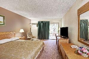 Hotel Super 8 By Wyndham Long Beach