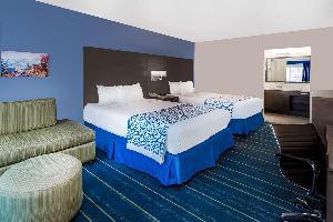 Hotel Days Inn Suites By Wyndham Anaheim At Disneyland