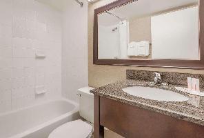 Hotel Baymont By Wyndham Red Deer