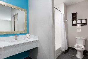 Hotel Baymont By Wyndham Bryan College Station