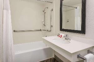 Hotel Baymont By Wyndham Greenville Woodruff Rd