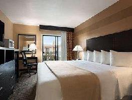 Hotel Days Inn By Wyndham Hollywood Near Universal Studi