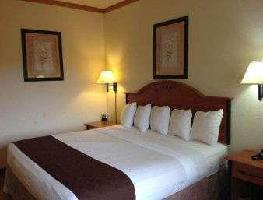 Hotel Baymont By Wyndham Hinesville Fort Stewart Area