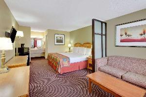 Hotel Baymont By Wyndham Terrell