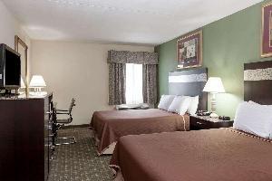 Hotel Howard Johnson By Wyndham Newark Airport