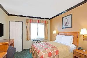 Hotel Travelodge By Wyndham Lax South
