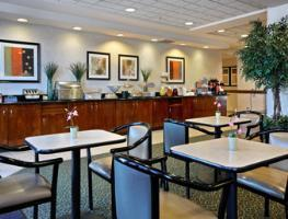 Hotel Wingate By Wyndham Dallas Las Colinas