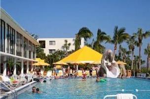 Hotel Sundial Beach Resort