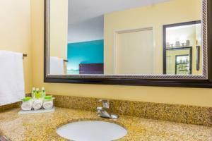 Hotel Holiday Inn Express San Diego Seaworld/beach Area
