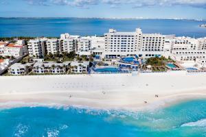 Hotel Barcelo Tucancun Beach Resort