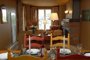 Les Suites Tremblant La Tour Des Voyageurs - Hotel Room (1 Queen Bed + 1 Sofa Bed)