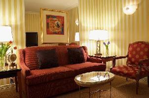 Executive Hotel Le Soleil - Corner Suite