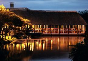 Hotel Mpongo Private Game Reserve River Lodge