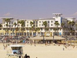 Hotel Shorebreak