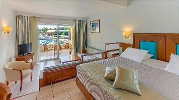 Kipriotis Maris Hotel & Suites