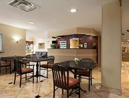 Hotel Microtel Inn Airport