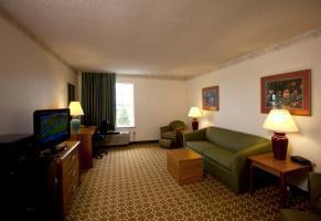 Hotel Baymont Inn & Suites Of Mackinaw City