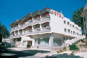 Punta Vicaã'o Hotel