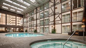 Hotel Best Western Plus The Normandy Inn & Suites