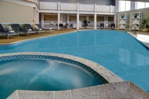 Viking Newport Hotel