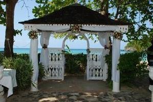 Shaw Park Beach Hotels & Suites