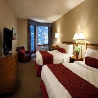 Hotel Whistler Village Inn & Suites