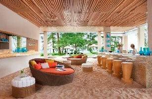 Hotel Renaissance Phuket Resort & Spa