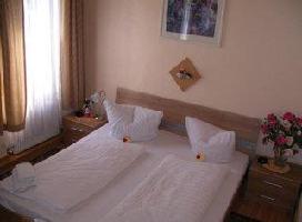 Hotel Djaran