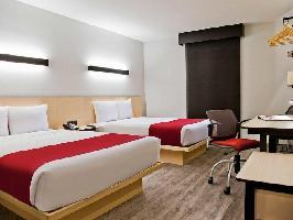 Hotel City Express Plus Medellin