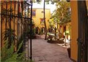 Hotel Casa Mia Suites