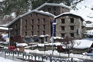 Montane Hotel