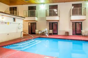 Hotel Econo Lodge West - Coors Blvd
