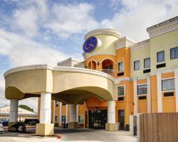 Hotel Comfort Suites Near Texas State University