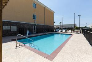 Hotel Comfort Suites Pearland - South Houston